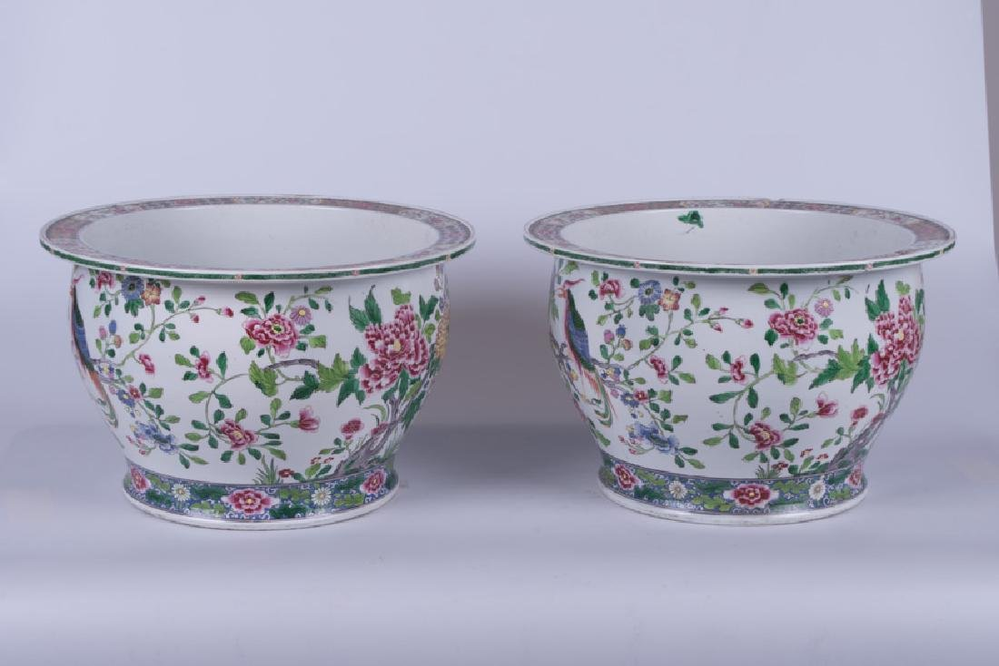 """PAIR OF """"CHINESE EXPORT"""" STYLE PORCELAIN JARDINIERES - 2"""