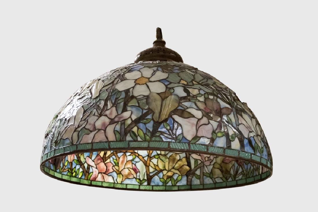 BUFFALO STUDIOS LEADED GLASS HANGING LIGHT
