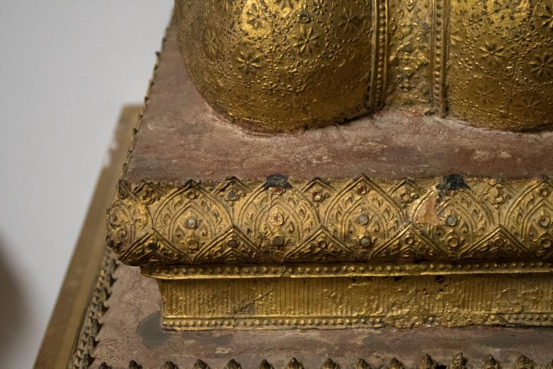 PAIR OF SOUTHEAST ASIAN GILT-METAL KNEELING BUDDHAS - 2