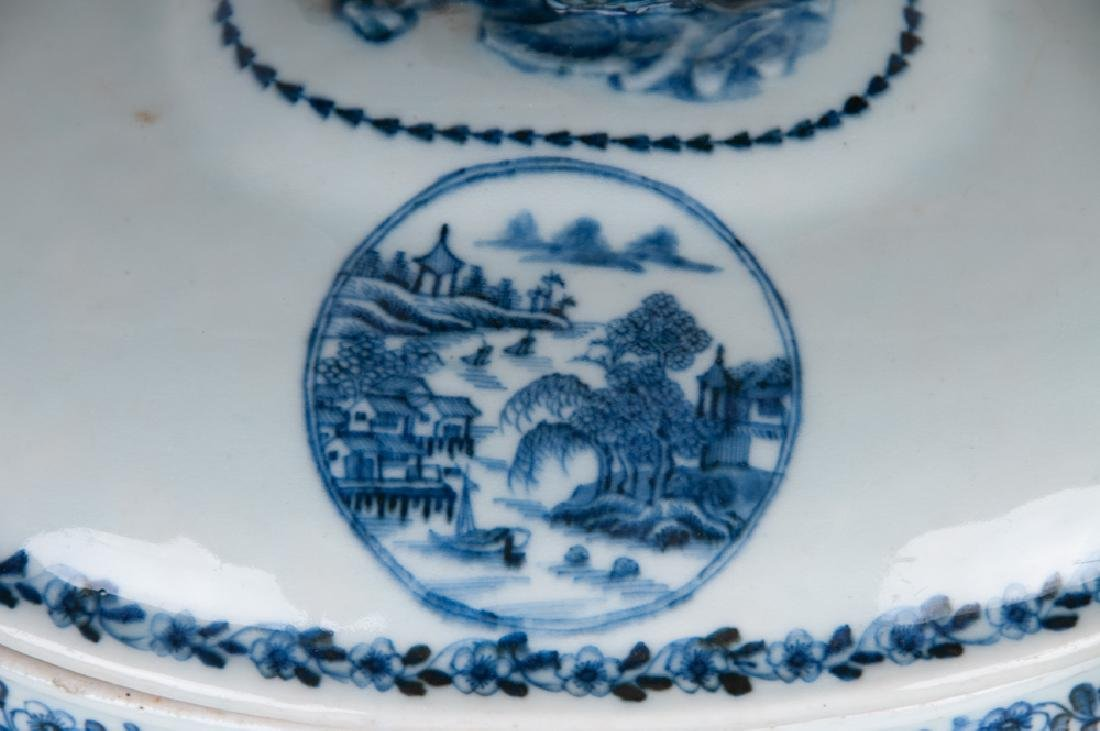 CHINESE EXPORT PORCELAIN TUREEN - 10
