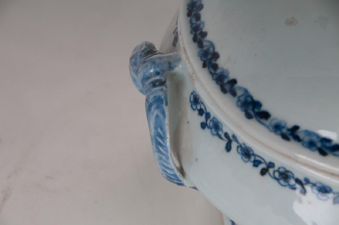 CHINESE EXPORT PORCELAIN TUREEN - 6