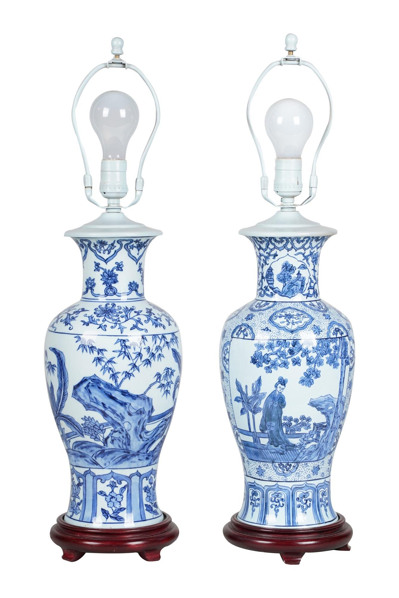PAIR OF CHINESE BLUE & WHITE PORCELAIN URN FORM TABLE