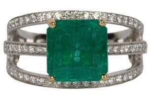 18 KARAT GOLD, EMERALD, & DIAMOND RING