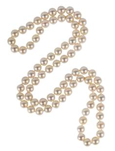 ATTRIBUTED TO TIFFANY & CO.: CULTURED PEARL NECKLACE