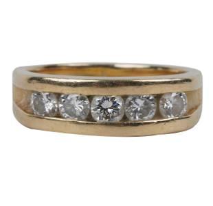 14 KARAT YELLOW GOLD & DIAMOND BAND RING