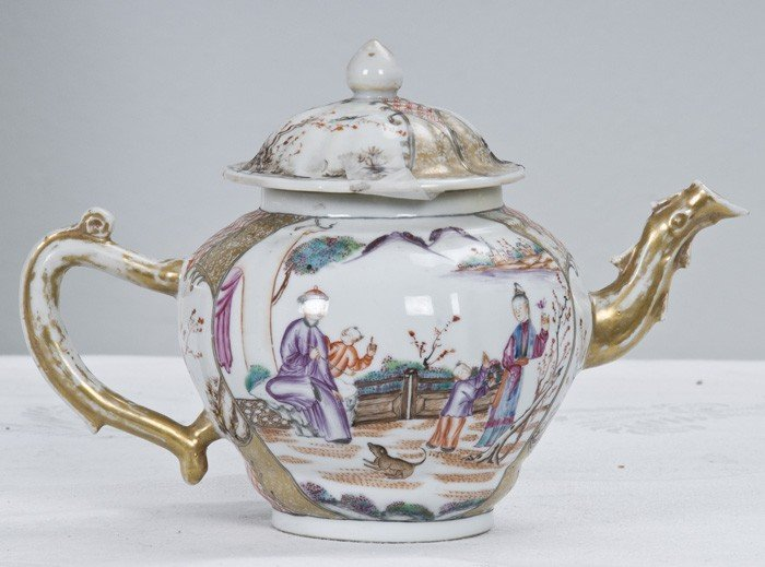 2: CHINESE EXPORT PORCELAIN TEAPOT