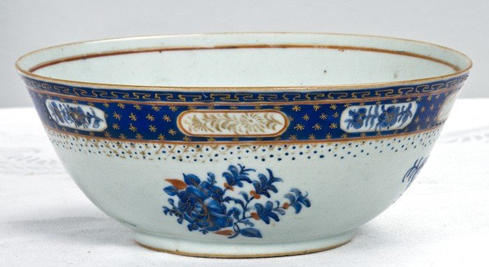 5: CHINESE EXPORT PORCELAIN BOWL