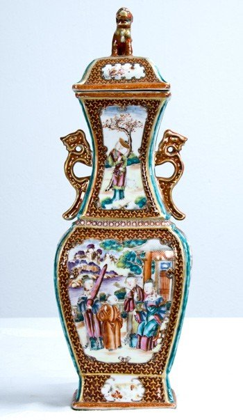 9: CHINESE EXPORT PORCELAIN COVERED VASE