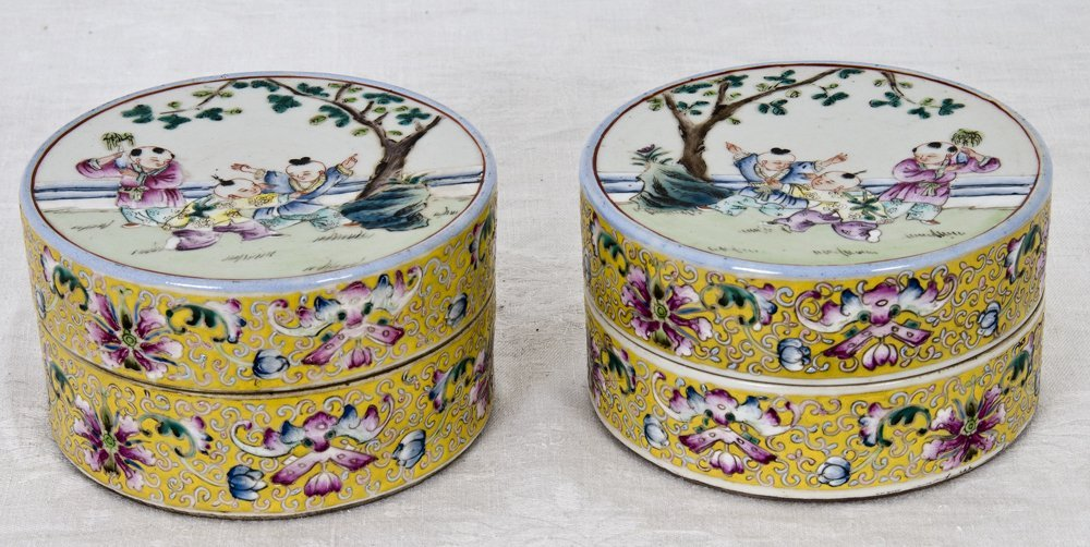 PAIR OF CHINESE YELLOW PORCELAIN COVERED BOXES