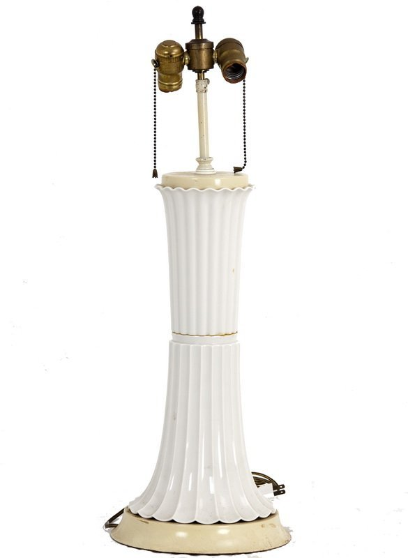 """WILLIAM """"BILLY"""" HAINES: CHINESE PORCELAIN TABLE LAMP"""