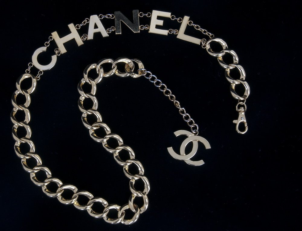 GOLDTONE BELT IN THE CHANEL STYLE