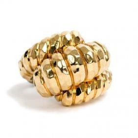 HENRY DUNAY: 18 KARAT YELLOW HAMMERED GOLD RING