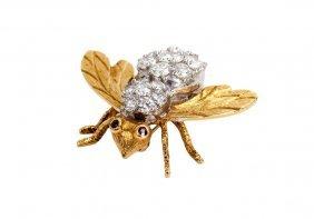 18 KARAT GOLD & DIAMOND BEE PIN
