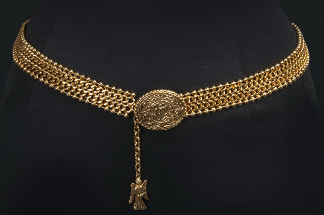 CHANEL: GILT METAL CHAIN BELT
