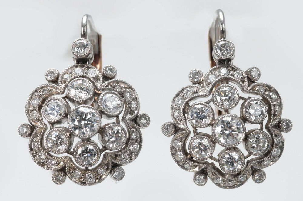 PAIR OF PLATINUM & DIAMOND EARRINGS