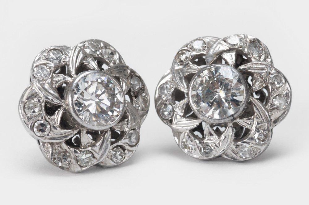 PAIR OF 10 KARAT & DIAMOND STUD EARRINGS