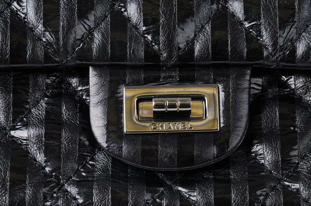 CHANEL BLACK QUILTED 2.55 REISSUE FLAP BAG - 7