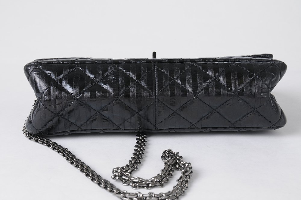 CHANEL BLACK QUILTED 2.55 REISSUE FLAP BAG - 9