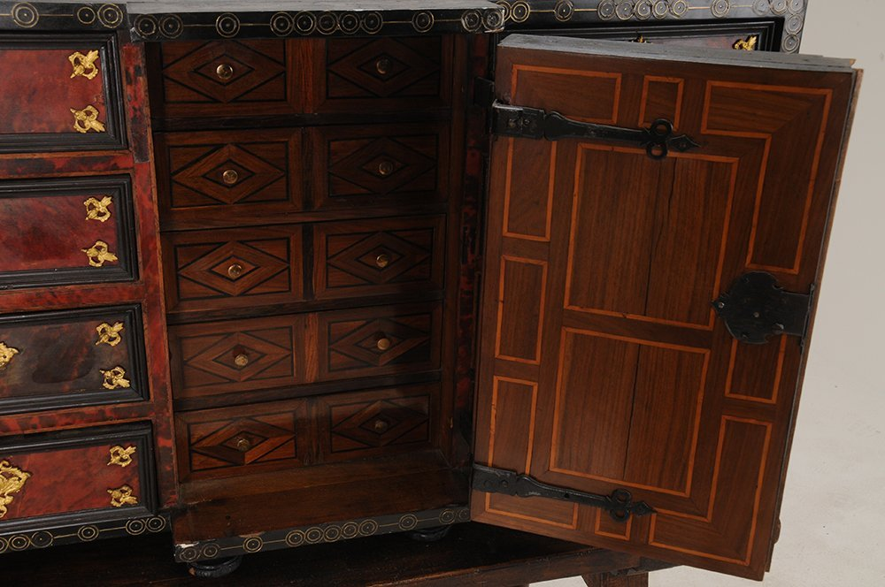 SPANISH INLAID VARGUENO ON STAND - 9