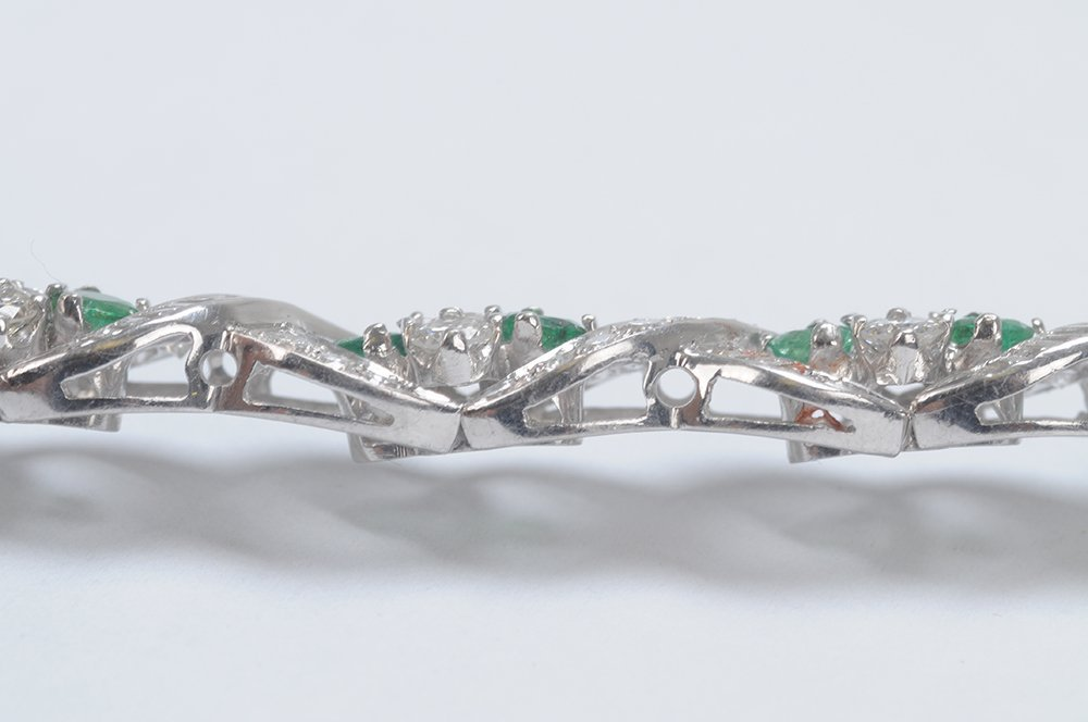 PLATINUM, EMERALD & DIAMOND BRACELET - 2