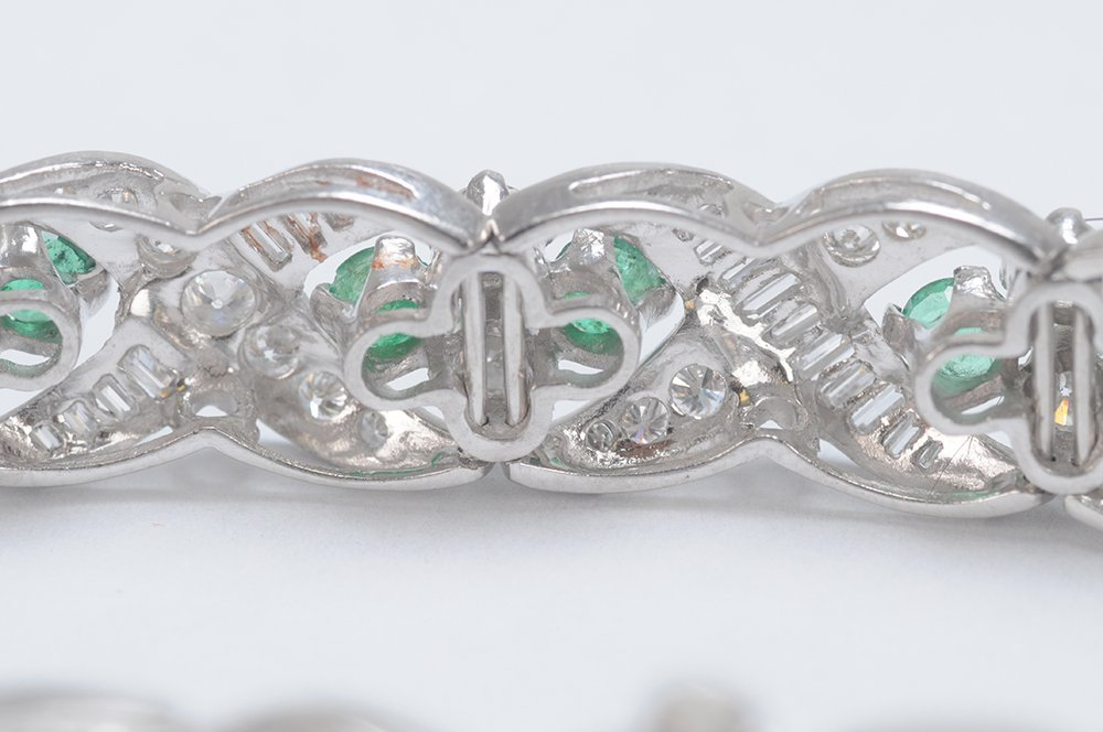 PLATINUM, EMERALD & DIAMOND BRACELET - 5