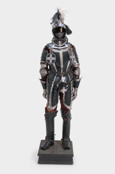 GERMAN STYLE THREE QUARTER SUIT OF ARMOR