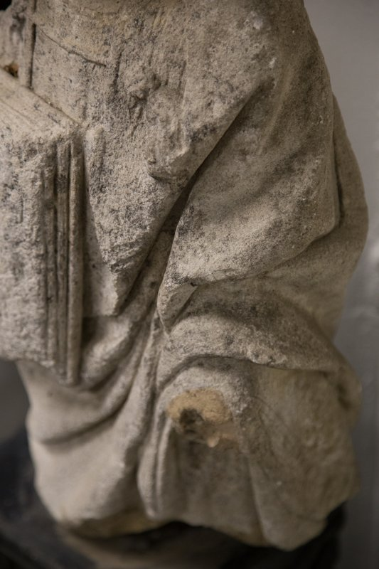 CARVED STONE FIGURE OF ST. ETIENNE - 3