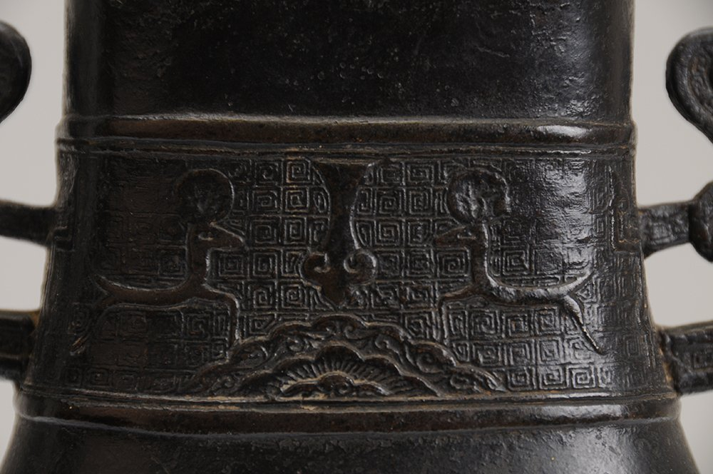CHINESE ARCHAIC STYLE BRONZE VESSEL - 3