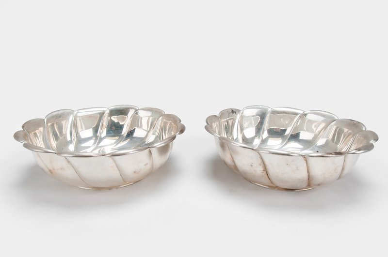 PAIR OF TIFFANY & CO. STERLING. BOWLS