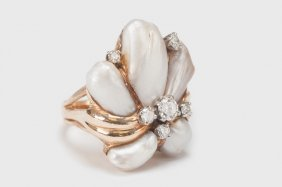 14 KARAT GOLD, DIAMOND, & PEARL CLUSTER RING