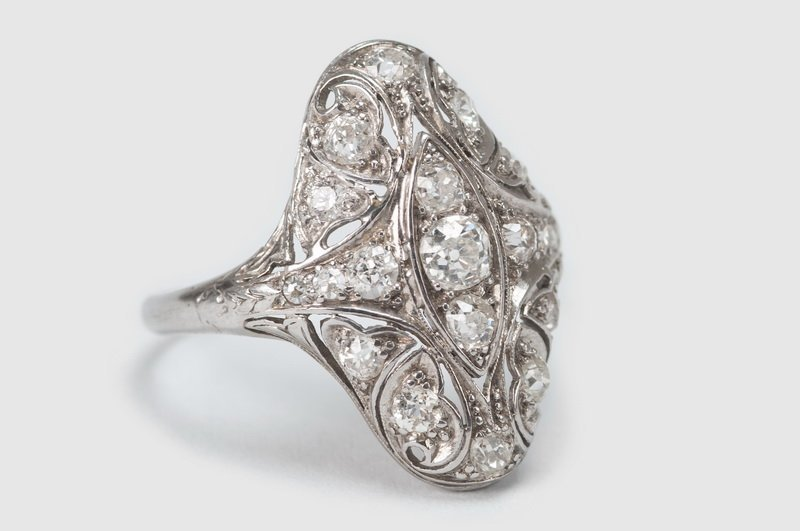 ART DECO PLATINUM & DIAMOND RING