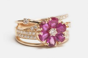 18K KARAT GOLD, DIAMOND, & RUBY RING