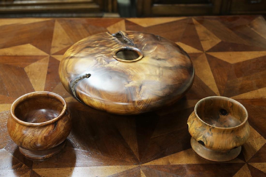 CYRUS KEANINI SR.: A HAWAIIAN TURNED WOOD FOOTED BOWL