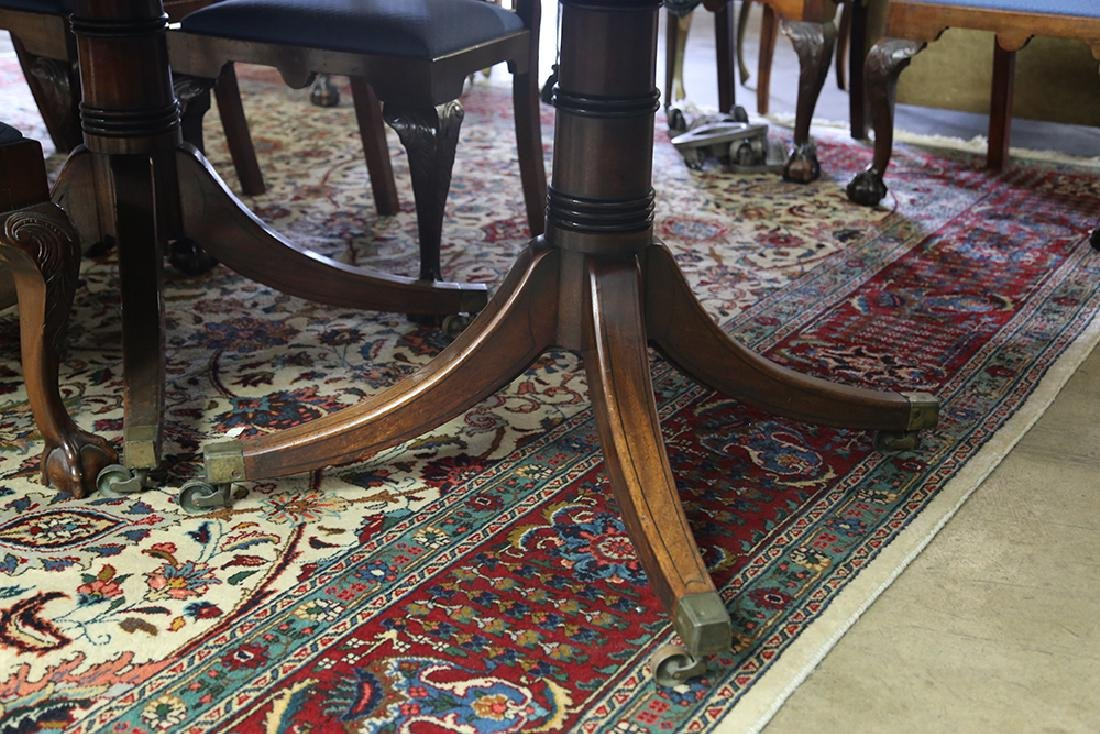 GEORGE III MAHOGANY EXTENSION DINING TABLE - 3