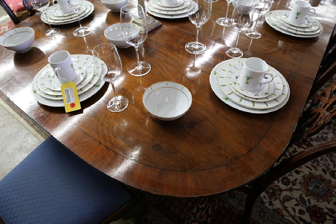 GEORGE III MAHOGANY EXTENSION DINING TABLE - 4