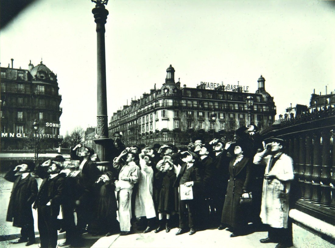 7: E. Atget,  Group Watching the Eclipse, Paris 1911