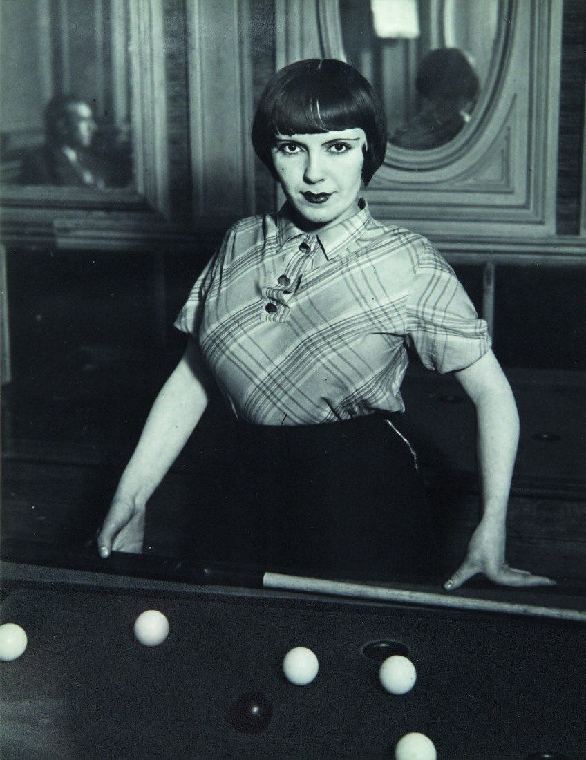 11: Gyula Hal&aacutesz Brassa&iuml,  Fille au Billiards