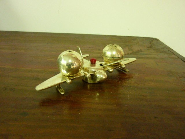5: Condiment set in the form of a Flying Boat