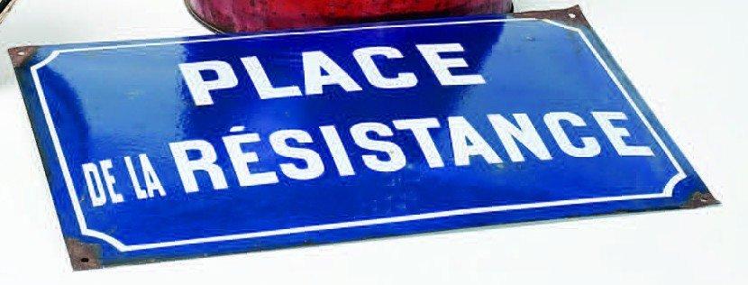 3: Vintage French enamel street sign