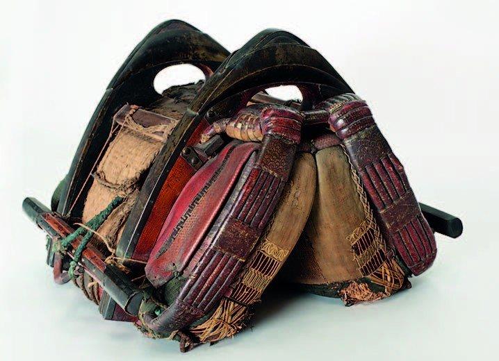 22: Japanese Edo period 19th century saddle