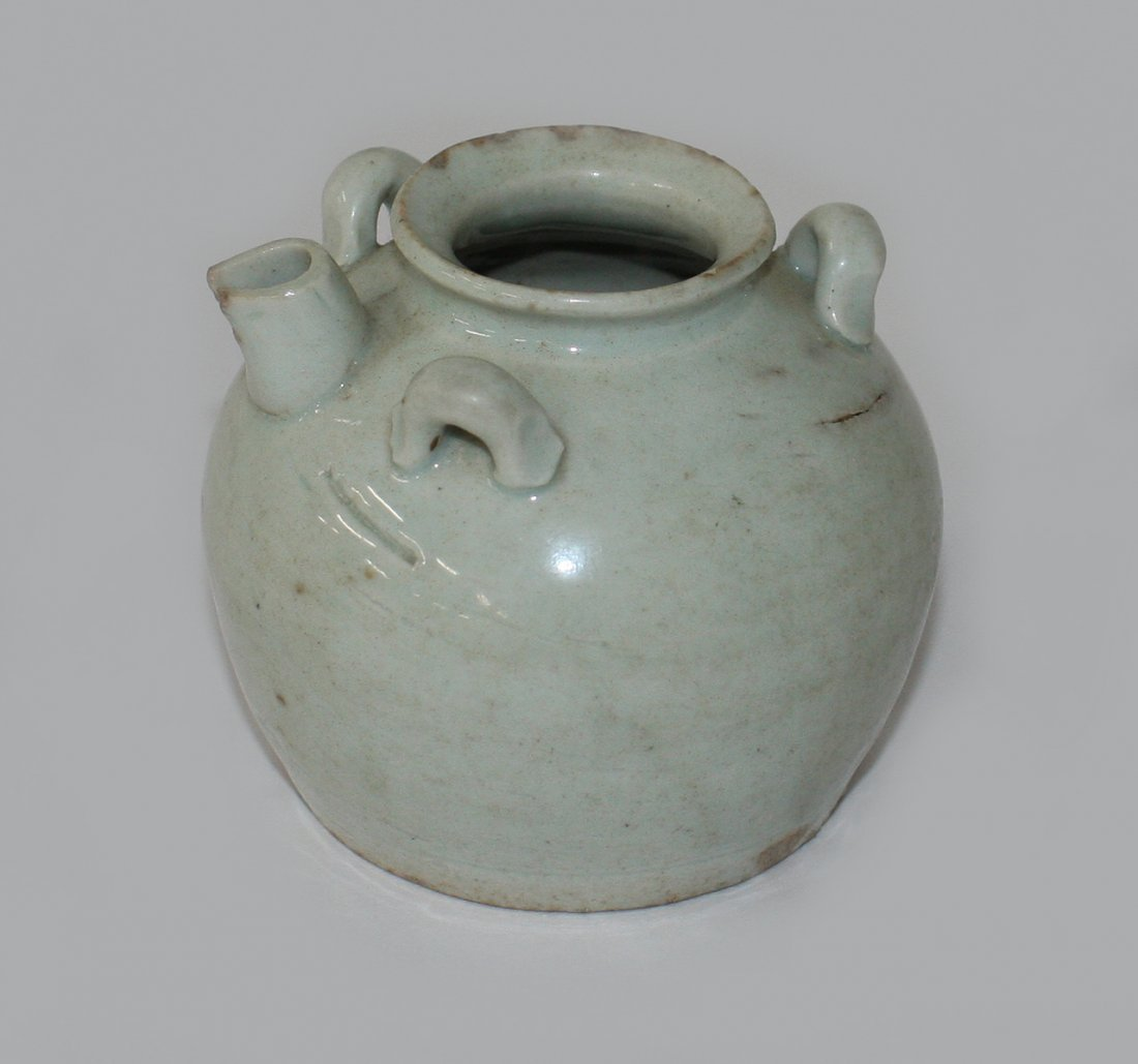 Small Chinese qingbai jug