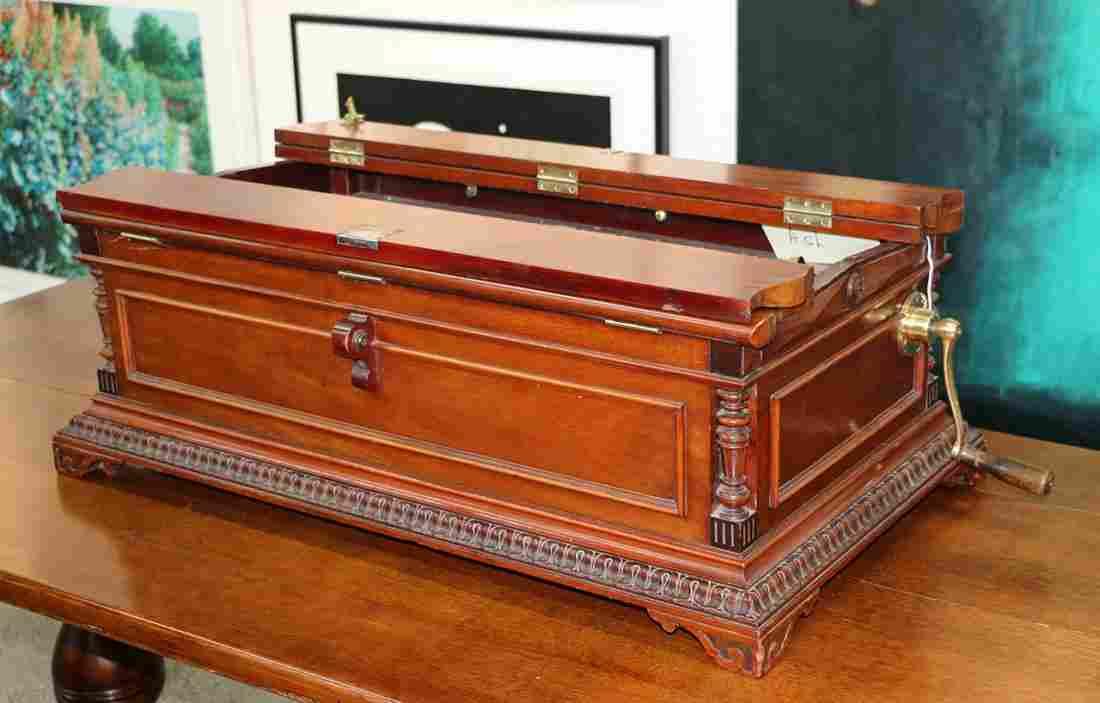 American Regina 27in accordion top music box