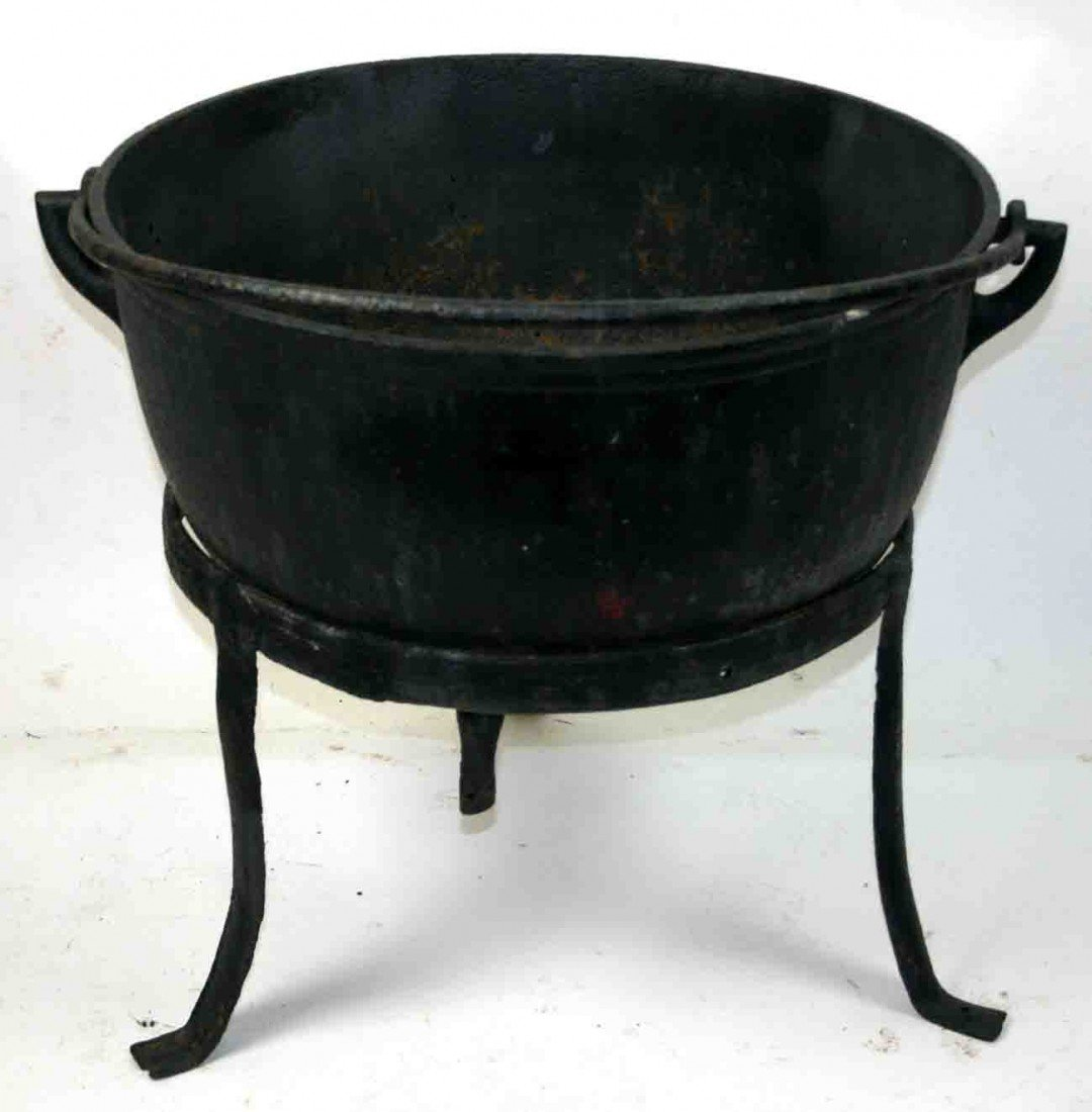 Kettle Cast Iron ~ Cast iron butcher kettle large body three