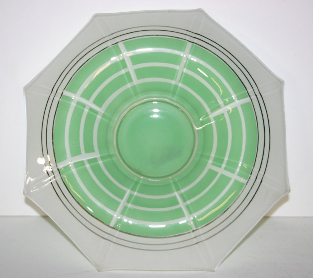 Green centerpiece Bowl in Indiana Glass Moderne