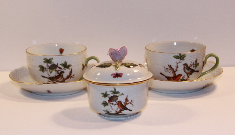 1: Herend Porcelain 2 Cups with Saucers and Covered Bow