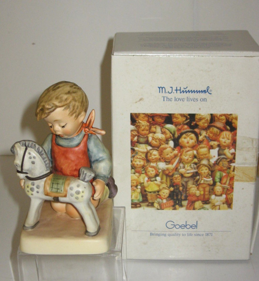 14E: Hummel Horse Trainer with box