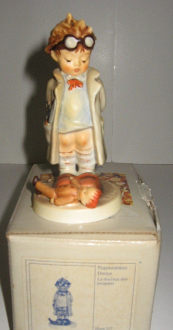 14H: Hummel Doctor with box