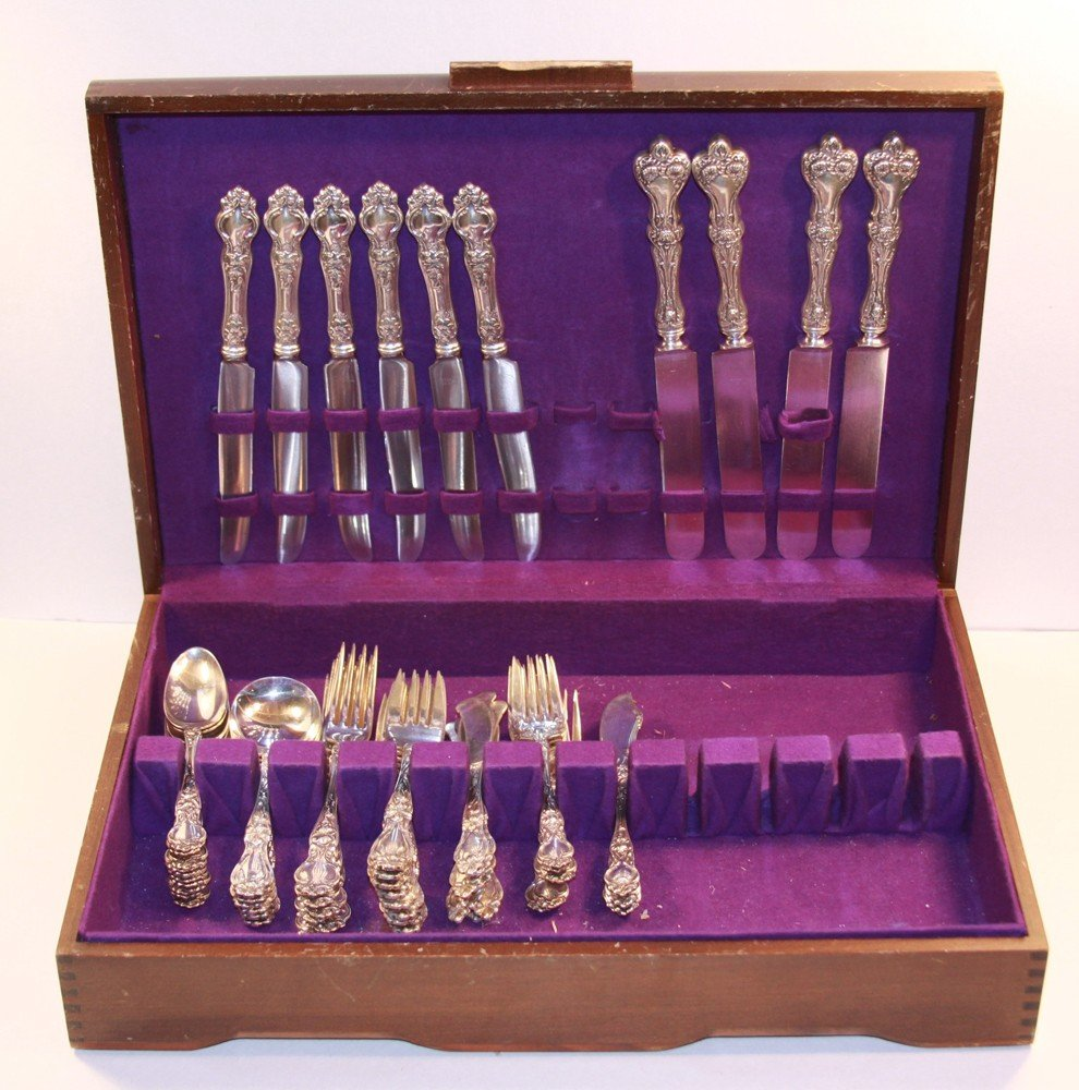 187: 64 pcs. Wallace Violet Sterling Silver Flatware