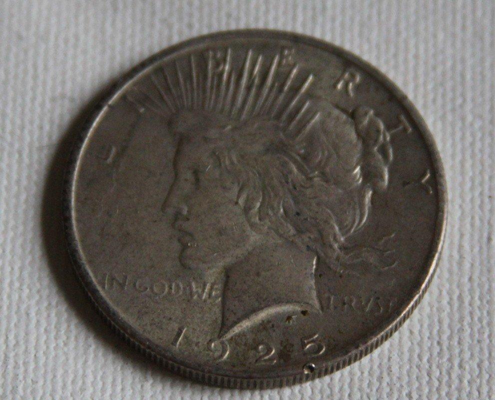 16: 1925 Silver Peace Dollar