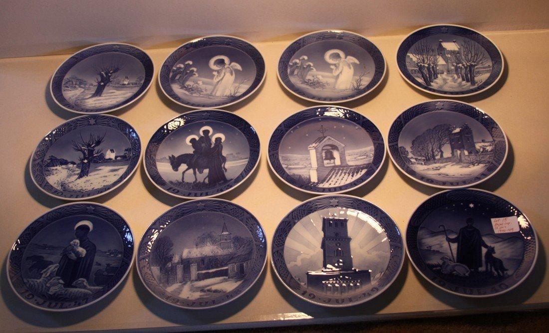 15: Royal Copenhagen Christmas Collector plates 1940-49